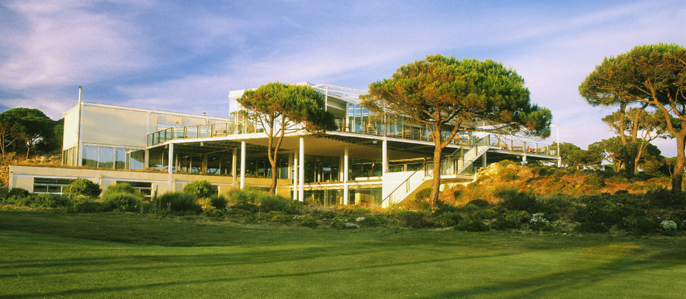 OITAVOS CLUBHOUSE S